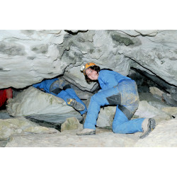 Spéléologie dans les grottes du Vercors